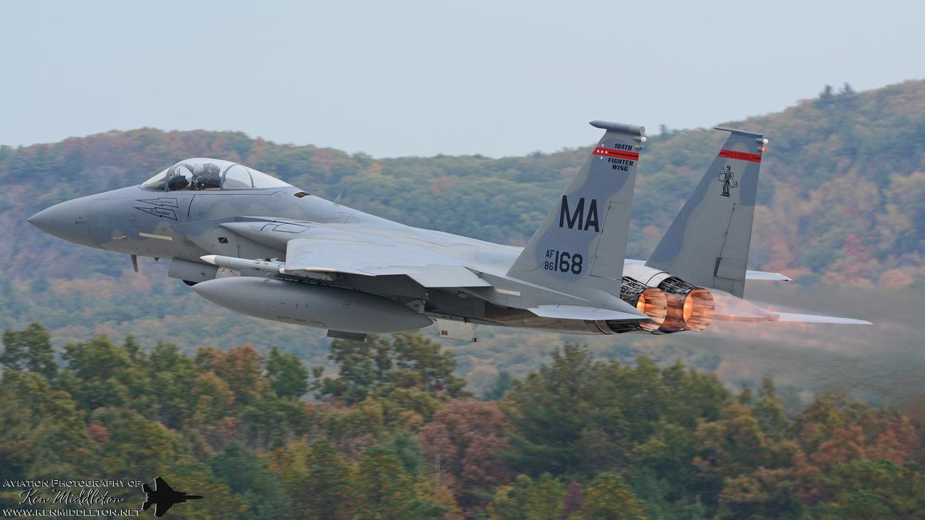 F-15C_860168_KBAF_20151021_KenMiddleton_9x16_web_DSC_9046.jpg