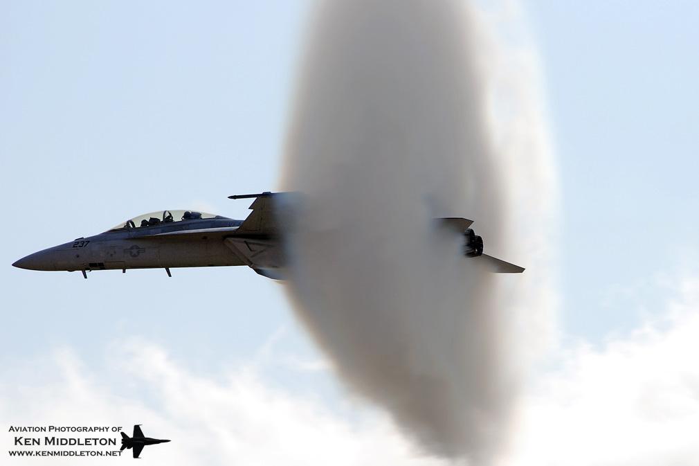 F-18F_166462_KCEF_5September2008_KenMiddleton_web_DSC_6380.jpg
