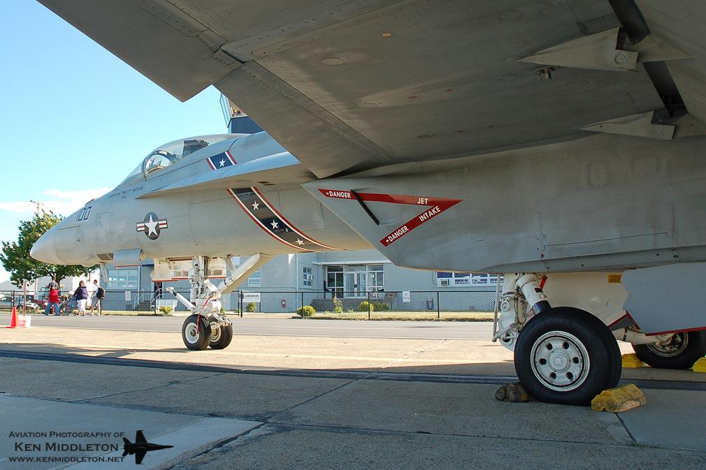 FA-18E_166437_VFA-22_KOQU_23June2007_KenMiddleton_4x6_web_DSC_0540.jpg